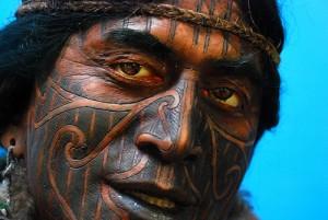Tatuaje de un guerrero maorí de Nueva Zelanda