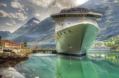 Crucero Costa Atlántica en Olden (Noruega)