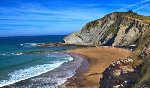 Playa de Itzurun (Zumaia) en la Costa Vasca